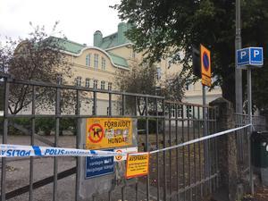 På måndagsmorgonen hade hela Vasaskolan spärrats av.