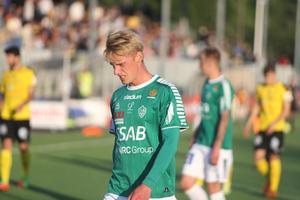 Pontus Hindrikes gjorde det bra från sin högerbacksposition mot Frej.