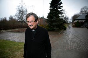 På 1 maj arrangerar kyrkoherde Gunnar Persson och Svenska kyrkan en familjedag i kyrkoparken i Ludvika.