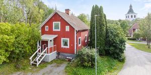 Islingbyvägen 4, Västerfärnebo, lockade flest besökare på Hemnet under vecka 47. Foto:  Husfoto