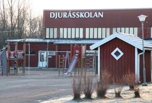 Barn- och utbildningsnämnden förslag är att Djuråsskolan står först på tur för renovering och ombyggnad.
