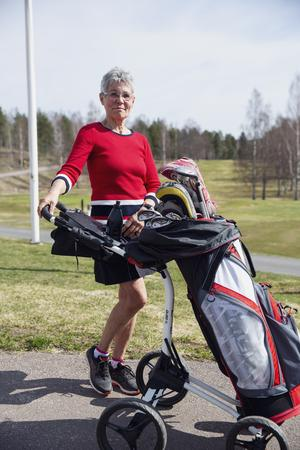 Britt-Marie Östman passade på att spela golf tre dagar i rad under påskhelgen.