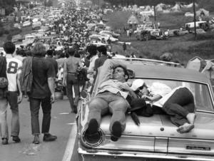 Woodstockfestivalen lockade runt en halv miljon personer och pågick i tre dagar i augusti 1969.