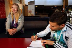 Runt 200 personer från Centerns Ungdomsförbund i hela landet kom till helgens förbundsstämma i Östersund. Linnea Svensson, länsordförande för CUF i Jämtland och förbundsordförande Magnus Andersson på bilden.