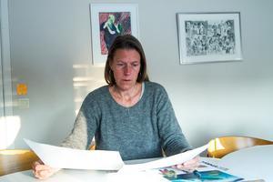 Att skriva om svåra ämnen som till ett barn ger ett tydligare uttryck tycker författaren Viveka Sjögren.