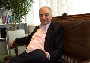 Lars Leijonborg, på besök i Sundsvall, har summerat sitt politikerliv i boken