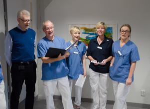 Nu finns en tandakut på Campus i Östersund. På fredagen invigdes kliniken med bland annat sång av personal på Folktandvården Campus. Tanken med den nya akutkliniken är att samordna all akutvård och göra det lättare både för personal och patienter.