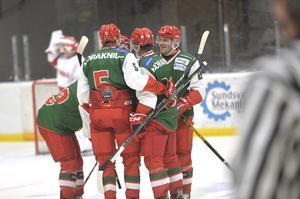 Mora vann till slut med 4–2 över Timrå IK i SCA-cupens premiärmatch i Sundsvall Energi Arena.