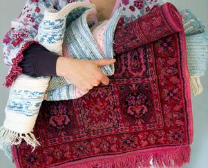 Det finns många roliga begagnade mattor som kan klippas till för att få rätt form.Foto: Maja Suslin/TT