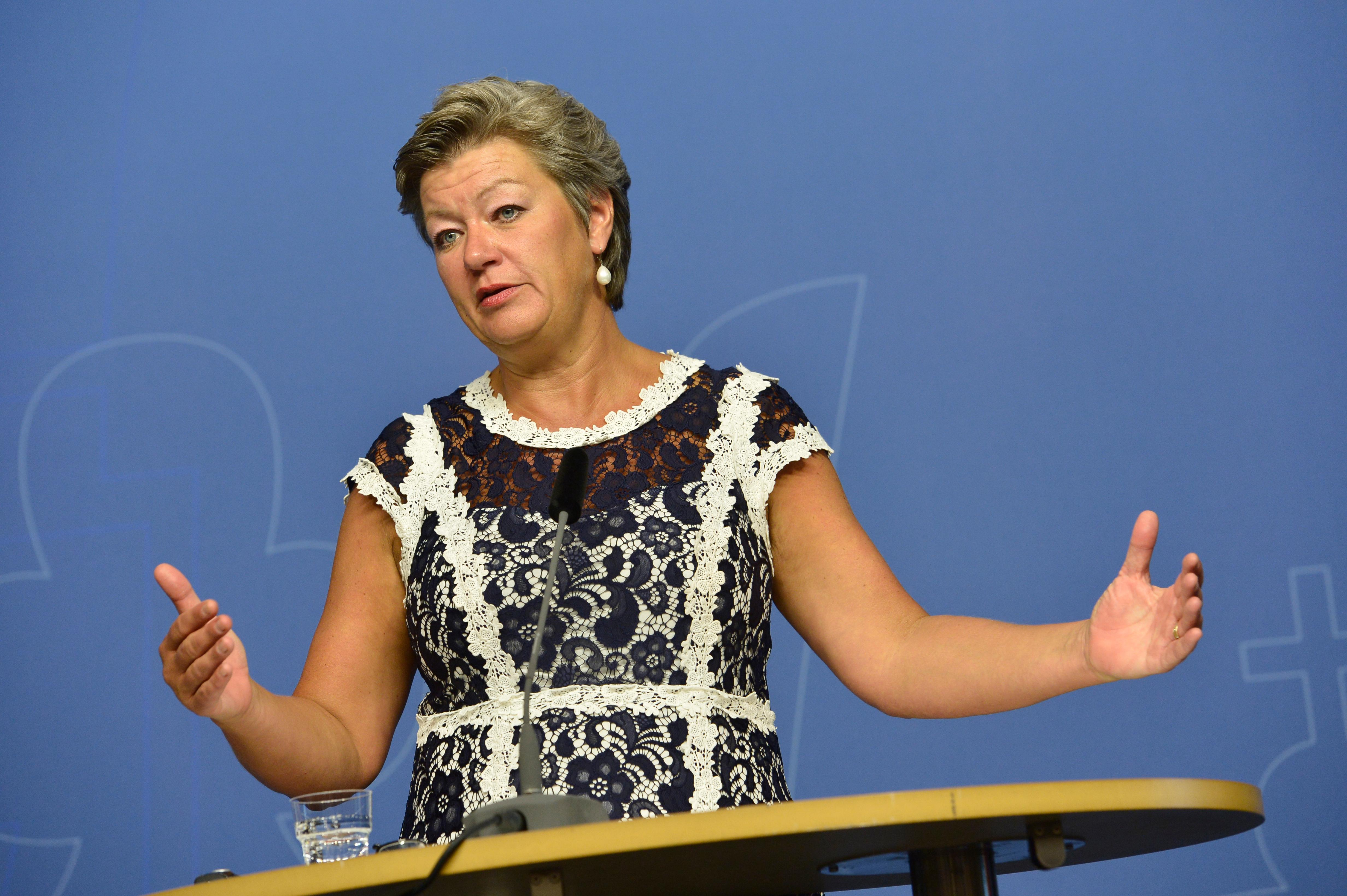 Ylva johansson kraver battre medicinkoll