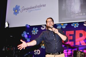 Sverigedemokraternas partiledare Jimmie Åkesson (SD) talar under Sverigedemokraternas EU-valvaka. Foto: Anders Wiklund / TT.