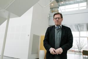 Köpingsadvokaten Thomas Carlstedt beskriver socialtjänstens utredning när det gäller familjen som