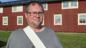 Jens Hjalmarsson går längst bak i trumledet med sin virveltrumma.