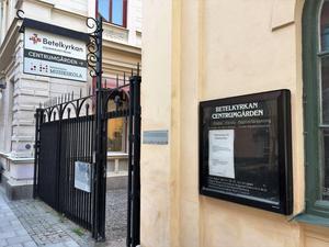 Lena Wesström har arbetat som pastor i Betelkyrkan. På fredagskvällen höll kyrkan öppet för de som behövde samtal och tröst.