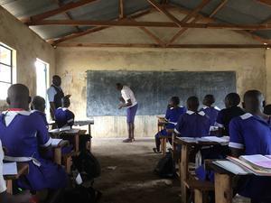 Lektion i klassrummet där Jenny studerade hur lektionen gick till.