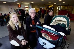 DELAD FAMILJ.  Terese Persson, uppvuxen i Sandviken men bor just nu i Spanien ska inte vaccinera sig. Hon känner sig ganska lugn inför svininfluensan. Hennes pappa Lars-Erik Persson ska däremot ta emot en spruta