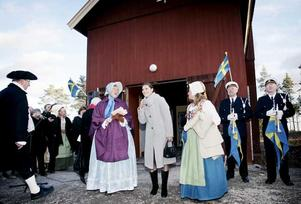 Så här såg det ut när kronprinsessan besökte Sala Silvergruva 2008. Mats Svegfors landshövding, Lena Hjelm-Wallén ordförande Sala Silvergruva, Kronprinsessan Victoria, Kajsa Berglind vd Sala Silvergruva.