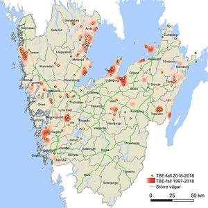 Kartan visar var personer smittats av TBE i Västra Götaland. De gula ringarna anger område där smitta skett under åren 2016-2018. De rödfärgade områdena anger område där smitta skett under åren 1997-2018. Ju mörkare rött ju fler personer har smittats i dessa områden.Under 2018 har nya riskområden för TBE tillkommit i Västra Götaland. I Södra Älvsborg, som tidigare varit nästan TBE-fritt, har det under året rapporterats fall från kommunerna Lerum, Alingsås och Herrljunga. I Dalsland har Färgelanda kommun börjat få fall de senaste två åren. Tätorterna Lidköping, Lödöse och Tidaholm har haft fall tidigare men också nya fall 2018.