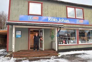 Zetterbergs El blev Sparman, Hema och numera är det Elon och Köks Johans som gäller i de välkända lokalerna i Nolby.