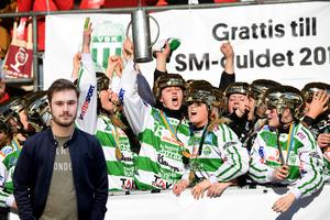 VSK tog sitt första guld på damsidan efter seger på straffar mot Skutskärs IF. Foto: Fredrik Sandberg / TT