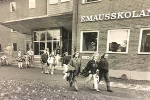 Utanför Emausskolan 1991. Foto: Göran Widerberg/VLT:s arkiv