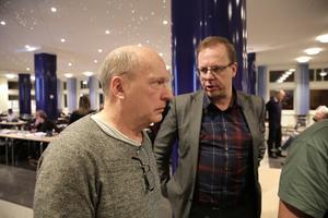 Kenth Andersson och Håge Persson debatterade de delade turerna inom äldreomsorgen. Persson hävdade bestämt att kommunen inte har råd att avskaffa detta arbetstidssystem.