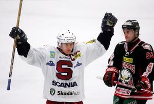 Två säsonger i rad blev Joakim Eriksson poängkung i SSK. Här i oktober 2004. Bild: Björn Lindgren/Bildbyrån.