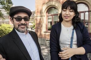 Hossein Akhlaqi och dottern Hania får dock vänta ett tag.