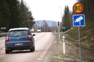 Flera vägar kommer att få sänkt hastighetsgräns från 90 till 80 kilometer i timmen. Dessa vägar kommer att vara prioriterade när nya fartkameror ska sättas upp.