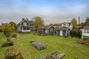 Villa i Mjälga med vy över Dalälven. Foto: Christoffer Cederberg, /Länsförsäkringar Fastighetsförmedling Borlänge