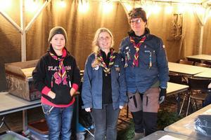 Scouterna Västmanland. Fredrik Nilsen, Mimmi Kimstål och Cilla Nilsen.