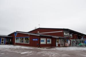 AB Karl Hedin Bygghandel leds från huvudkontoret på Strandvägen i Falun.