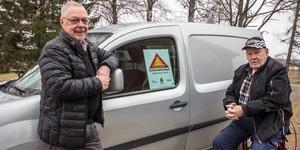 Rune Alfredsson och Bengt Södersten är två av de 150 personerna som är med i Grannsamverkan i södra Skinnskatteberg.