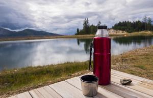 Det smakar otroligt bra efter någon timmes tur i skogen att dricka lite kaffe och äta en smörgås.  Foto: Pixabay.com.