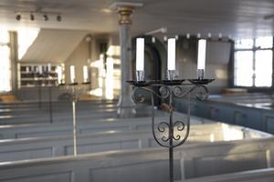 KG Lindblad lät sig inspireras av de tidigare ljusstakarna i Vemdalens kyrka.