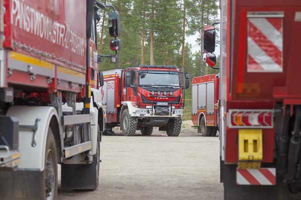 Rejäla terrängfordon av Iveco, Renault och Mack var de märken som brandbilarna hade.