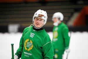 Felix Nyman drar på sig Hammarby-tröjan även nästa säsong.