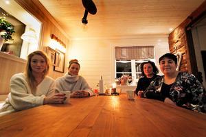 Hedemora kvinnojour har funnits i drygt ett år. Idag är de åtta aktiva medlemmar som håller i stödsamtal och 49 stödmedlemmar.