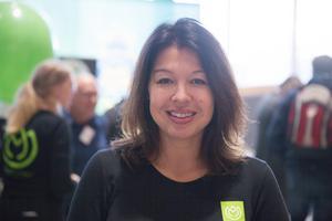 """Sara Jervfors, kostchef i Södertälje kommun och projektledare Matlust: """"Stekosten, den är krämig istället för gummiartad som halloumi kan vara. Det är en produkt som verkligen skulle kunna tilltala gemene man och komma ut på marknaden i stor skala""""."""