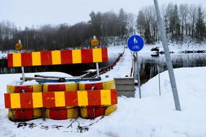 Gång- och cykeltrafiken på bron är vid den här årstiden begränsad, men  bron och hela Österfors bymiljö räknas som en turistattraktion.