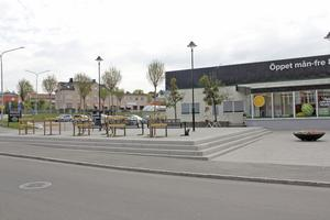 Drottningtorget, tidigare Coop-torget i folkmun, invigdes hösten 2018 som en del av centrumprojektet.
