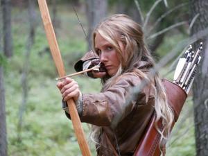 Moa Enqvist Stefansdotter som huvudroll i Viking Saga: Rune of The Dead. Foto: Jasper Nelson