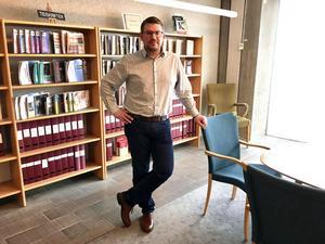 Tobias Åsberg, administrativ chef på landstinget, har polisanmält bedrägerierna.Bild: Landstinget