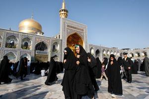 En kulturpolitiker i den konservativa staden Mashhad, Iran, har gripits till följd av att ungdomar dansat offentligt. Arkivbild. Vahid Salemi/AP