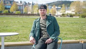 Sporten träffade Emil Pettersson på ett café i centrala Sundsvall.