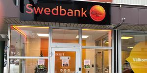 Insändarskribenten tycker att Swedbanks nedläggning av kontoret i Kramfors innebär en diskriminering av äldre.