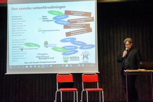 Micke Lehorts, kulturmiljöstrateg på Sveriges hembygdsförbund, talade om den svenska vattenförvaltningen och vem som ansvarar för vad.