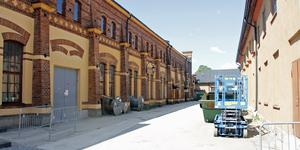 KMV-lokalerna i Köping byggs just nu om till kontor. I höst flyttar Arbetsförmedlingen och flera andra myndigheter in där.