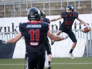 Johannes Lindeus fixade både de två extrapoängen som reducerade matchen mot Stockholm Mean Machines till 14–20 ...