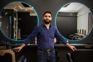 Om det inte kommer fungera med barbershopen, då kan det mycket väl bli att återvända till skolbänken för Alaa Bakkour. Hans